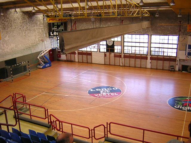 http://teleor.net/holon/photo/2/sportzal.jpg